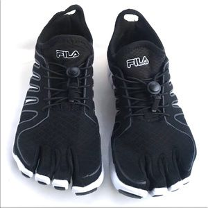 Fila Skele-Toes Size 7 Women's Black and White
